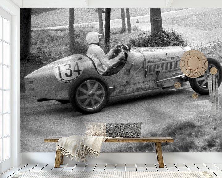 Sfeerimpressie behang: 1924 - Bugatti type 35 van Timeview Vintage Images