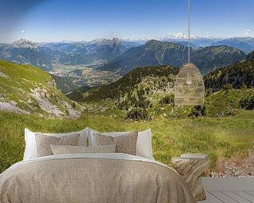 Panorama vanaf de Sambuy bij het meer van Annecy in de franse Alpen van Karel Pops