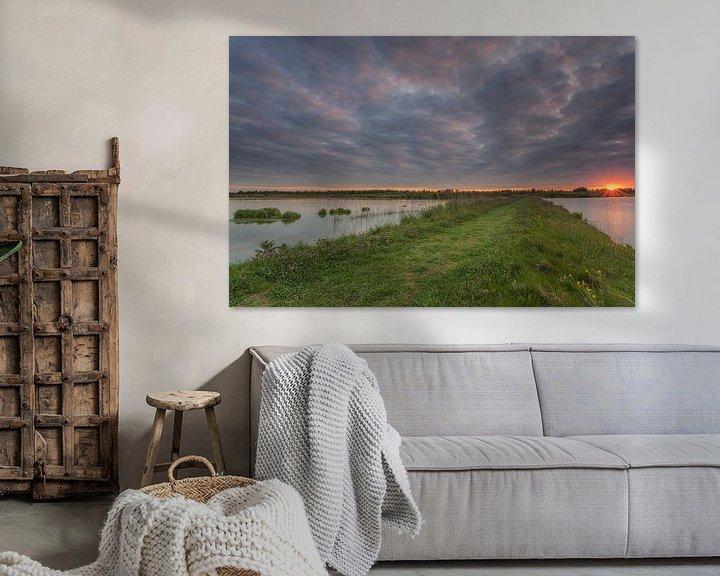 Sfeerimpressie: Zonsondergang nabij de Jantjesplaat in de Werkendamse Biesbosch van Adrian Visser
