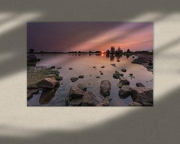 Sonnenuntergang IJssel Windesheim Provinz Overijssel, Niederlande.