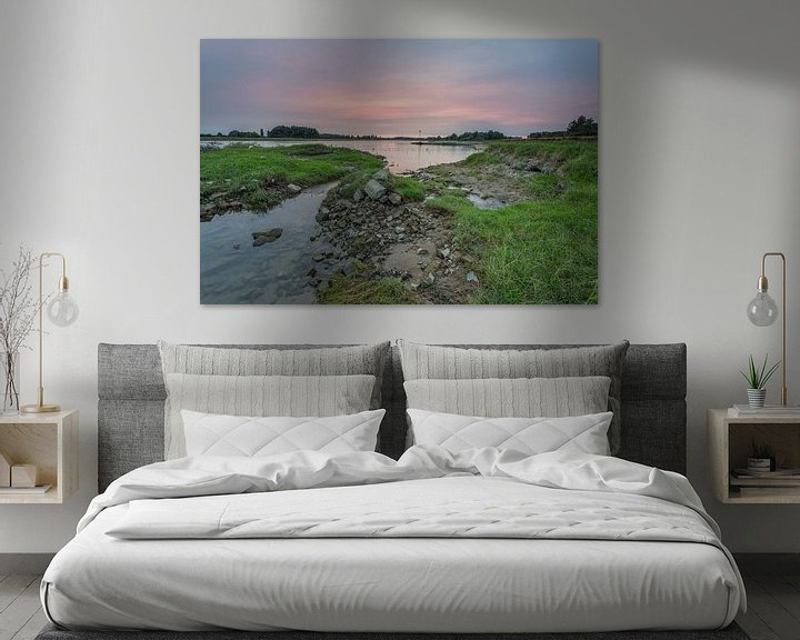 Sfeerimpressie: Zonsondergang langs de IJssel in Windesheim, provincie Overijssel van Adrian Visser