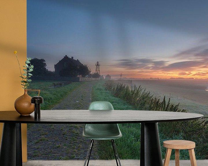 Sfeerimpressie behang: Zonsopkomst Schokland (Flevoland, Nederland) van Adrian Visser