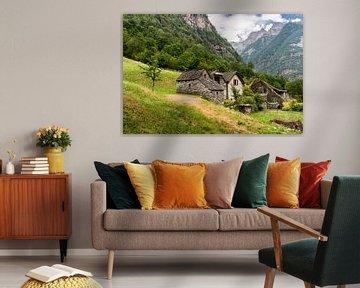 Sonogno - Huizen tegen de Berghelling von Tony Buijse
