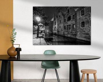 Alkmaar oude stad in zwart/wit von Mario Calma