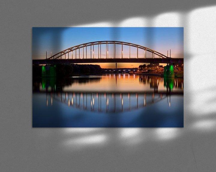 Sfeerimpressie: John Frostbrug spiegelbeeld te Arnhem van Anton de Zeeuw
