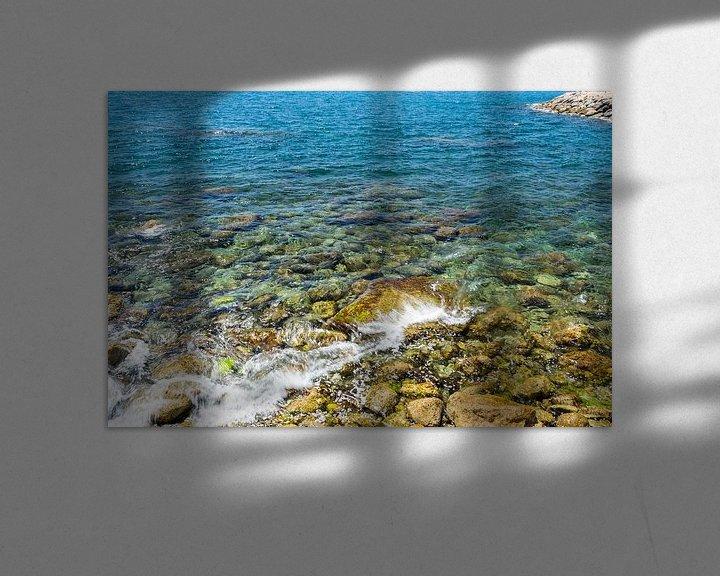 Sfeerimpressie: Rotsen in zee van Ellen Denkers-Hartman