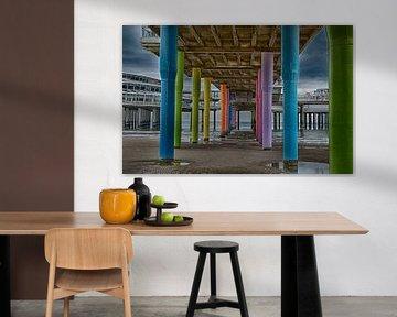 onder de pier op het strand van Scheveningen den haag  van Groothuizen Foto Art