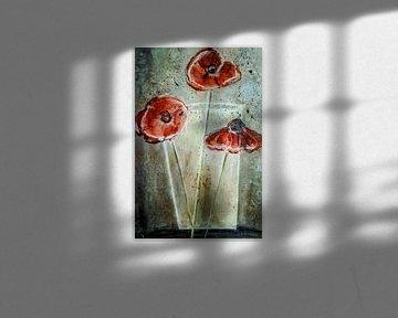 Rode papavers in vaas - abstract van Christine Nöhmeier