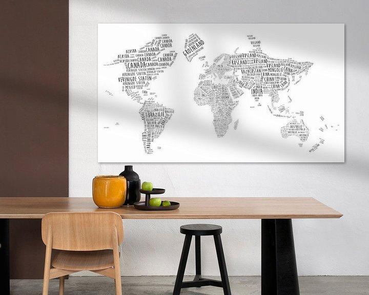 Sfeerimpressie: Typografische Wereldkaart | Nederlandstalig van Wereldkaarten.Shop