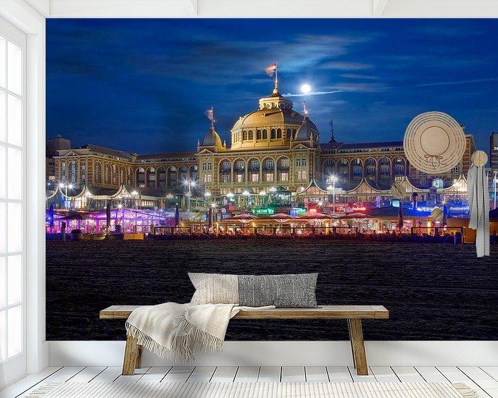 Beispiel fototapete: Kurhaus in Scheveningen in der Nacht bei Vollmond . von Anton de Zeeuw