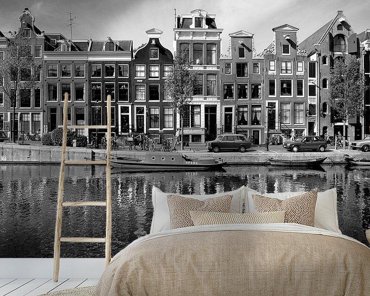 Sfeerimpressie behang: Grachtenpanden Amsterdam, Nederland van Roger VDB