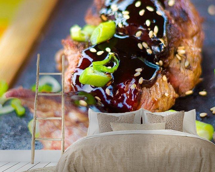 Sfeerimpressie behang: Beef Teriyaki van Mark Scholten