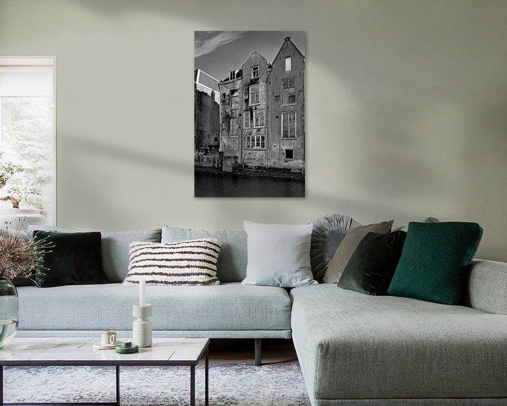 Sfeerimpressie: Vervallen grachtenpanden Dordrecht van Anton de Zeeuw