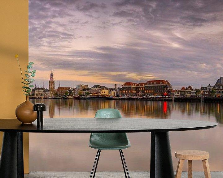 Sfeerimpressie behang: Kampen vanaf de IJssel tijdens zonsondergang van Sjoerd van der Wal