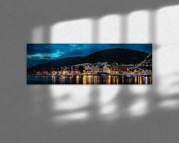 Bergen by night van Richard Reuser