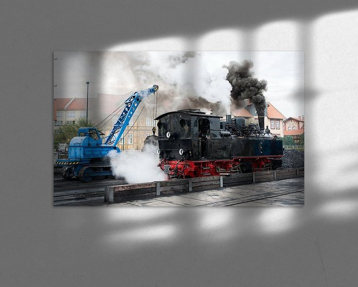 Sfeerimpressie: crane loading coal into steam loc van Compuinfoto .