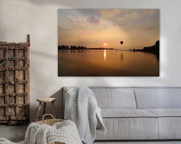 Zonsondergang aan de Waal van Petra Kilwinger