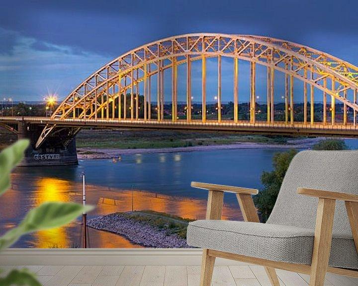 Sfeerimpressie behang: Panorama Waalbrug Nijmegen van Anton de Zeeuw