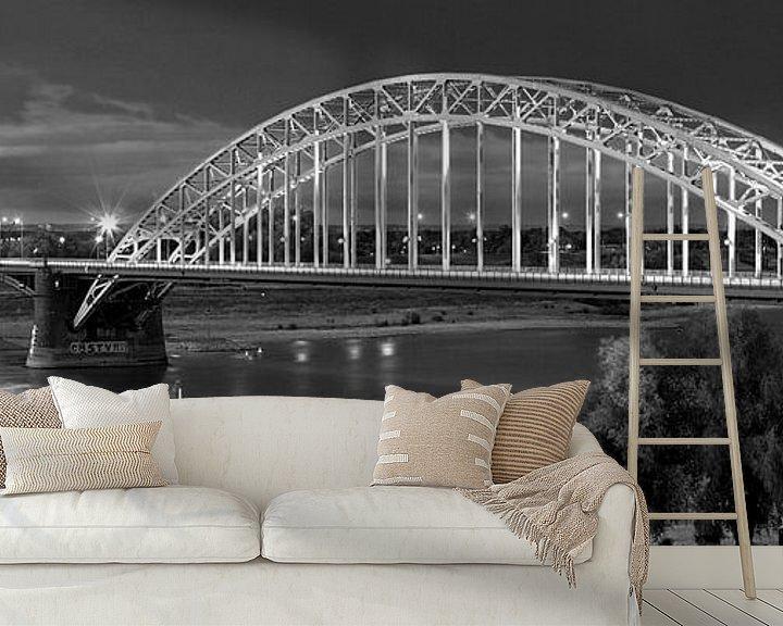 Sfeerimpressie behang: Panorama Waalbrug Nijmegen zwart/wit van Anton de Zeeuw