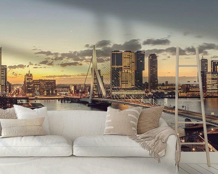Sfeerimpressie behang: Rotterdam bij ochtendgloren van Rob van der Teen