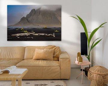 Vestrahorn in de wolken (Stokksnes, IJsland)