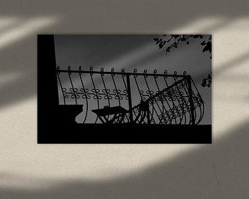Een terras in de avond.  von Mart van Zwam