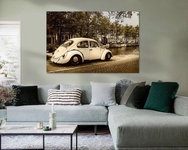 Sfeerimpressie: Oude Volkswagen Kever in Amsterdam van Martin Bergsma