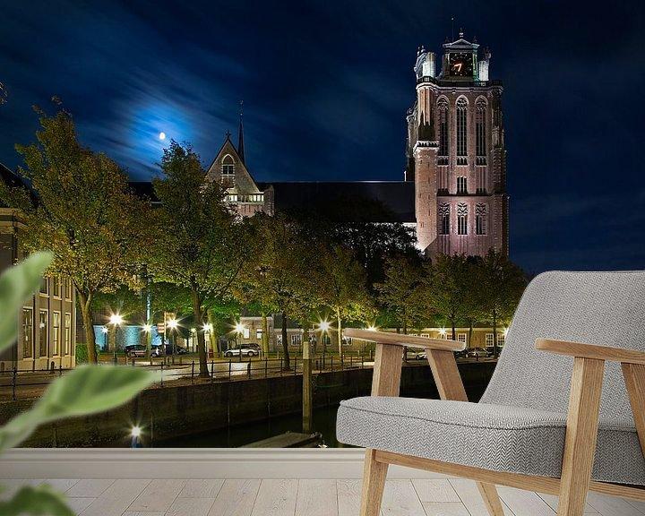 Sfeerimpressie behang: Grote Kerk Dordrecht in maanlicht van Anton de Zeeuw