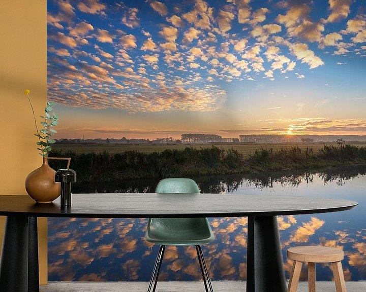 Sfeerimpressie behang: Rhenen 8:00 AM van Sander Peters Fotografie