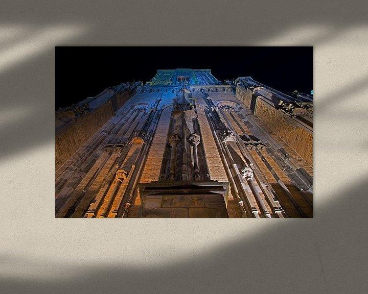 Sfeerimpressie: Lebuïnuskerk te Deventer verlicht van onderen gezien van Anton de Zeeuw