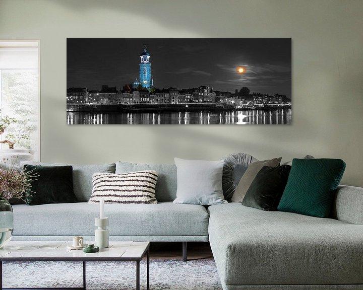 Sfeerimpressie: Panorama Lebuïnuskerk te Deventer met supermaan van Anton de Zeeuw