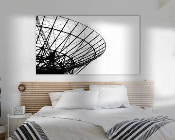 Abstract fragment van radiotelescoop in Westerbork van Fotografiecor .nl
