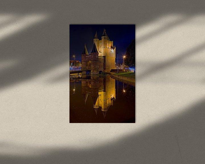 Sfeerimpressie: Nachtfoto Amsterdamse Poort te Haarlem van Anton de Zeeuw
