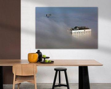 Rotterdam in de mist van boven gezien van Anton de Zeeuw