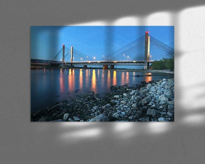 Sfeerimpressie: de brug Zaltbommel in avondschemer van Jasper van de Gein Photography
