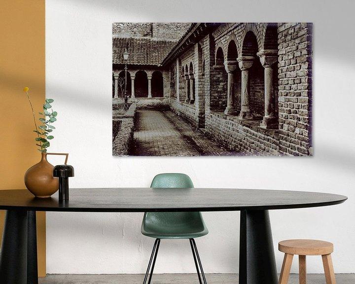Sfeerimpressie: Kloostergang in Utrecht van Jan van der Knaap