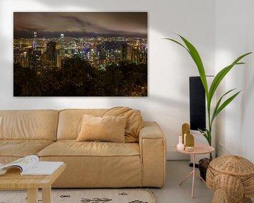 Skyline Hong Kong by Night van Jack Koning