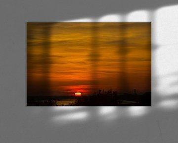 Zonsondergang in de Betuwe van Wijco van Zoelen