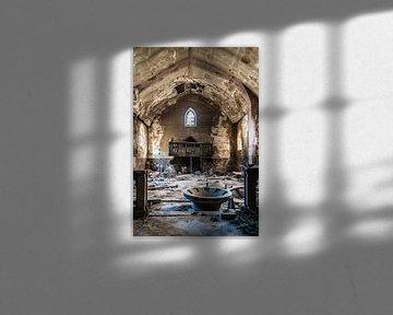 Dust Church van Anjolie Deguelle