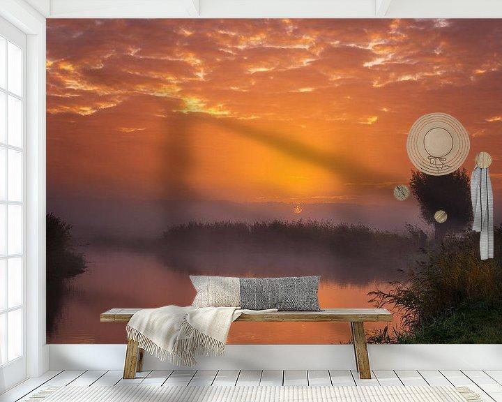 Sfeerimpressie behang: Sun vs Mist I van Sander Peters Fotografie