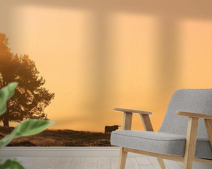 Sfeerimpressie behang: Zonsopkomst op de Veluwse Heide van Harm Roseboom