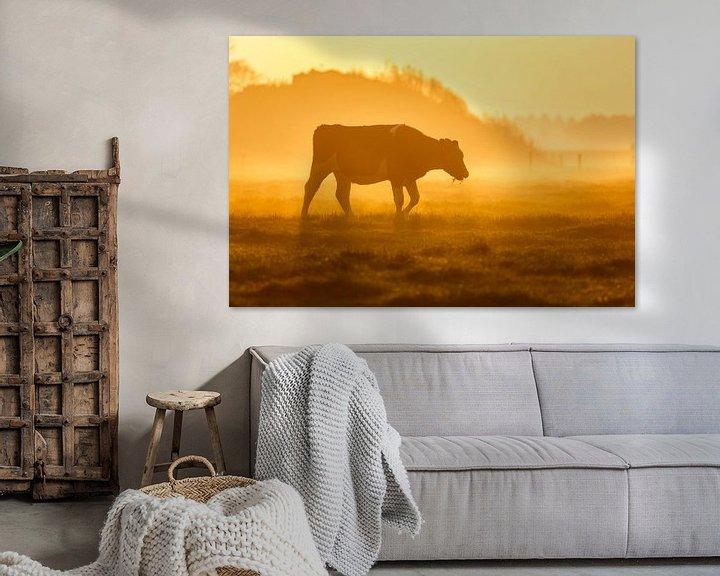 Sfeerimpressie: koe in mist van Pim Leijen