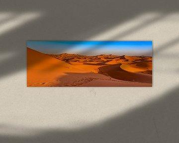Zandduinen in de Sahara, Marokko van Rietje Bulthuis