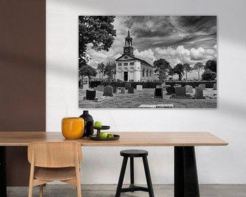 Kerkje van Terband met kerkhof in zwartwit-bewerking von Tim Groeneveld