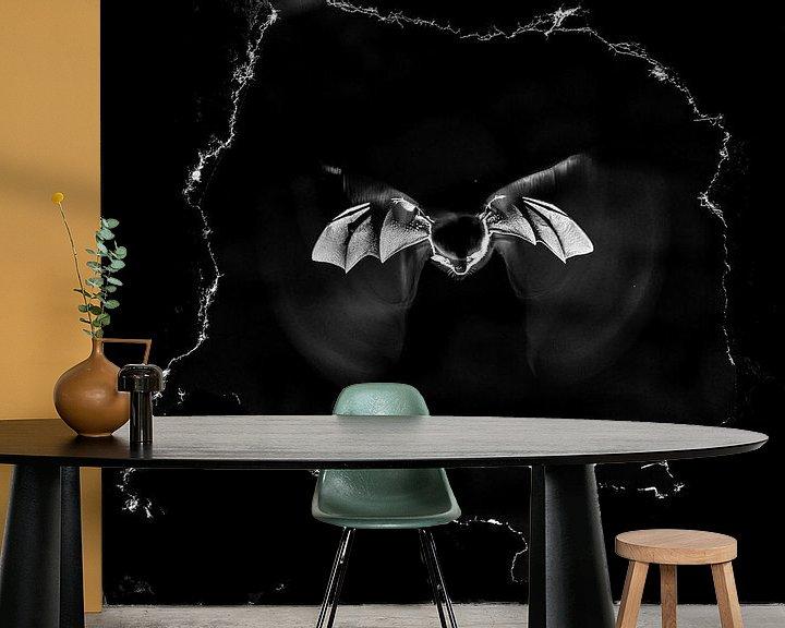Sfeerimpressie behang: Bat van Dimas Serneguet Belda