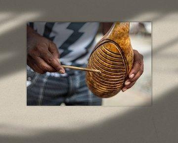 Muziek op straat in Havana, Cuba van Bart van Eijden