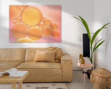 Peach bubbles.. van LHJB Photography