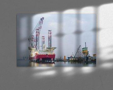 Le Seajacks Scylla dans le port de Rotterdam