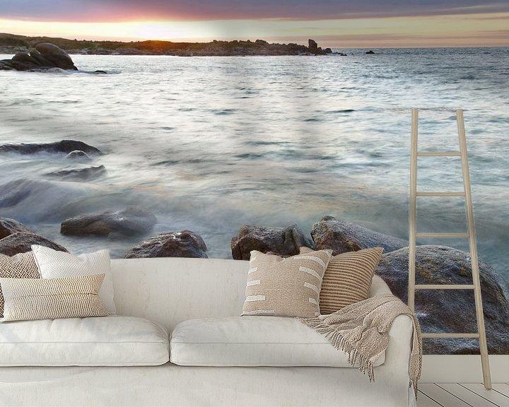 Sfeerimpressie behang: High Tide Sunset Rocks van 7Horses Photography