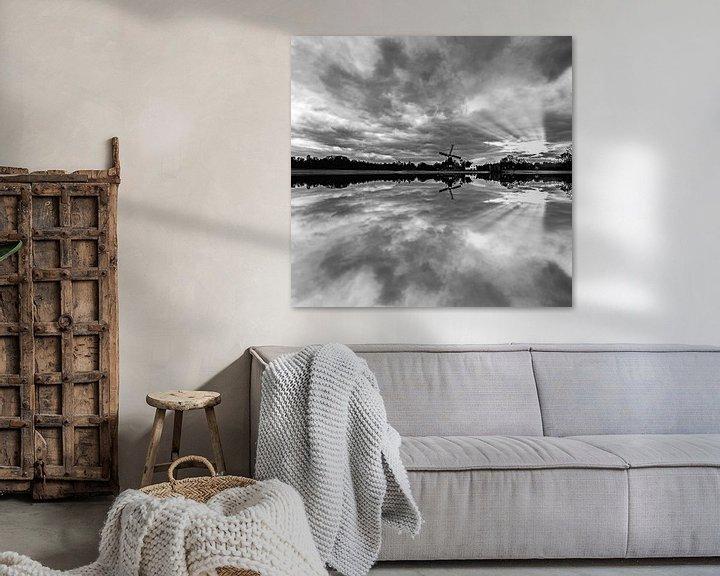 Sfeerimpressie: Windmolen reflectie in het water van Brian Morgan